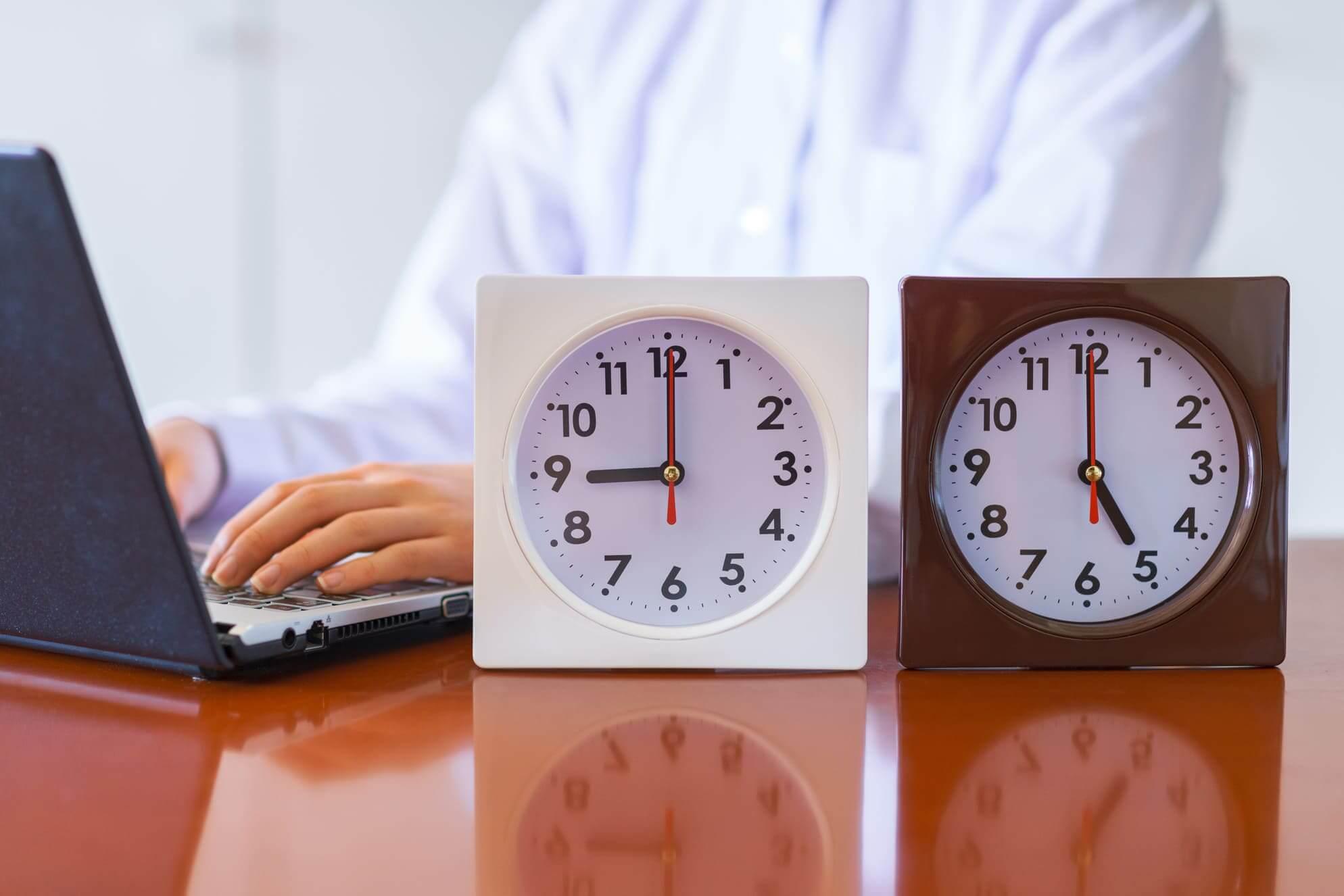 チャットレディが待機時間短縮のために行うテクニックとは?